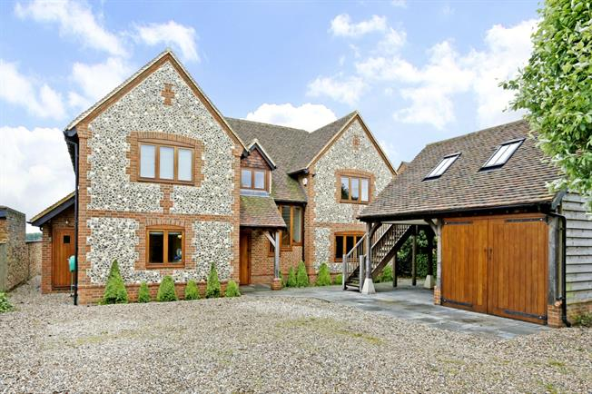 £4,250 per Calendar Month, 5 Bedroom Detached House To Rent in Marlow, Buckinghamshire, SL7