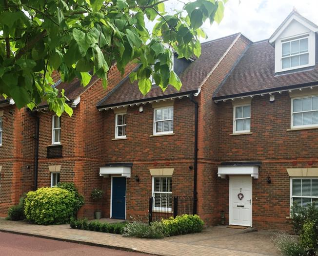 £2,500 per Calendar Month, 3 Bedroom Town House To Rent in Marlow, Buckinghamshire, SL7
