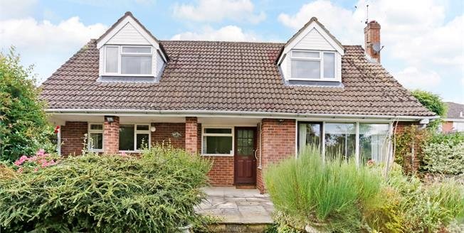 £2,500 per Calendar Month, 4 Bedroom Detached House To Rent in Marlow, SL7
