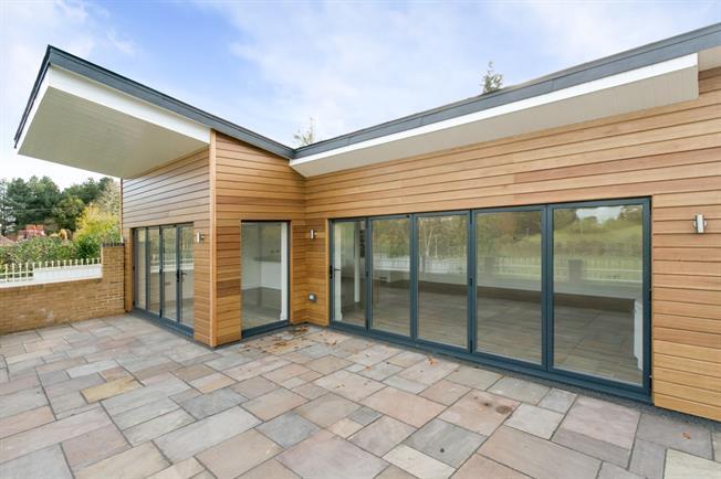 £2,400 per Calendar Month, 4 Bedroom House To Rent in Marlow, SL7