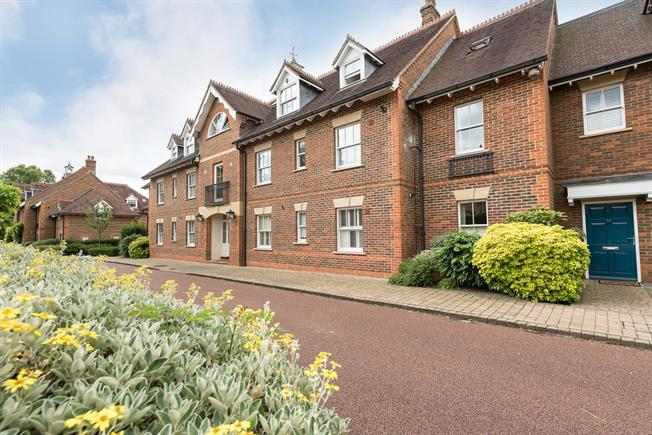 £1,650 per Calendar Month, 2 Bedroom Apartment To Rent in Marlow, SL7
