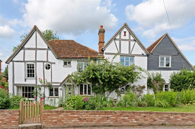 £5,000 per Calendar Month, 5 Bedroom Cottage House To Rent in Marlow, SL7