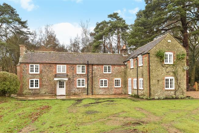 £3,500 per Calendar Month, 4 Bedroom Cottage House To Rent in Liphook, GU30