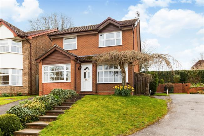 £1,495 per Calendar Month, 3 Bedroom Detached House To Rent in Alton, GU34