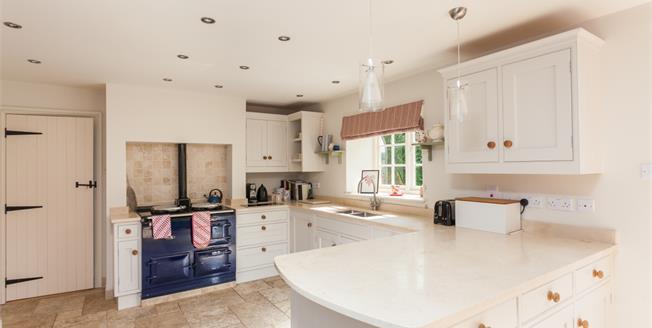 £2,650 per Calendar Month, 5 Bedroom Detached House To Rent in Melksham, Wiltshire, SN12