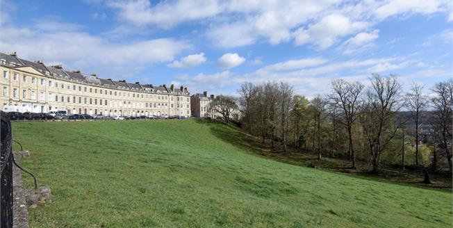 £1,325 per Calendar Month, 2 Bedroom Apartment To Rent in Bath, BA1