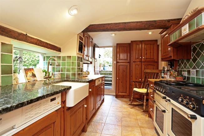 £2,500 per Calendar Month, 4 Bedroom Cottage House To Rent in Castle Combe, SN14