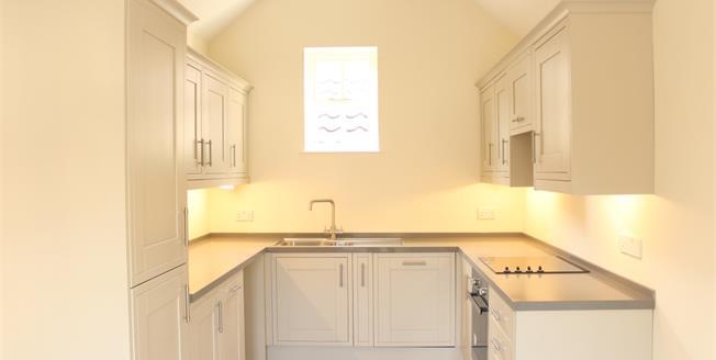 £2,100 per Calendar Month, 4 Bedroom Mews House To Rent in Bath, BA1
