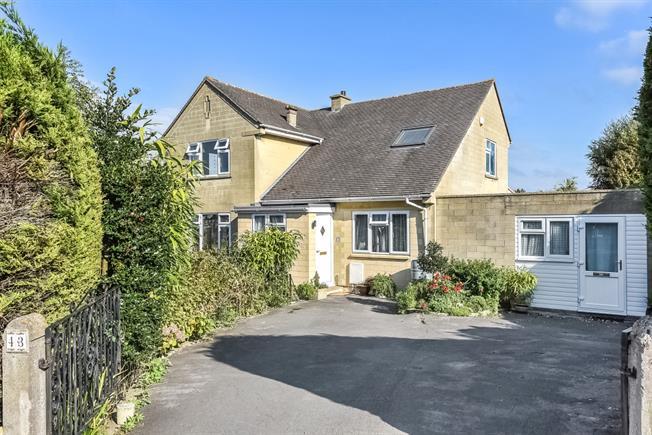 £1,995 per Calendar Month, 4 Bedroom Detached House To Rent in Bath, BA2
