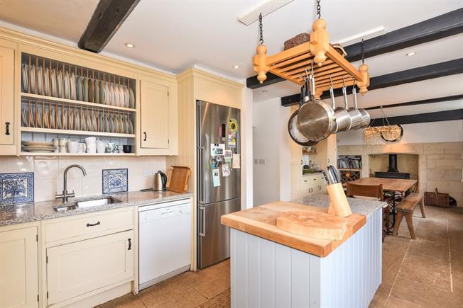 £3,250 per Calendar Month, 4 Bedroom Terraced House To Rent in Bath, BA2
