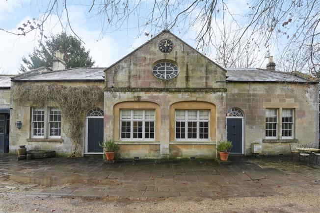 £2,495 per Calendar Month, 3 Bedroom Detached House To Rent in Bath, BA2