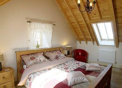 £950 per Calendar Month, 2 Bedroom Semi Detached House To Rent in Trowbridge, BA14