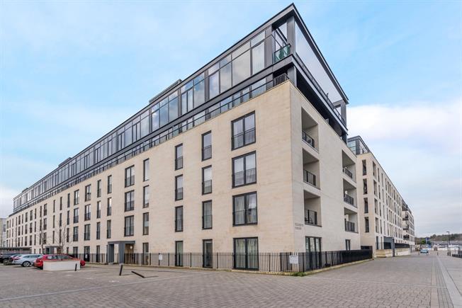 £1,395 per Calendar Month, 2 Bedroom Apartment To Rent in Bath, BA2