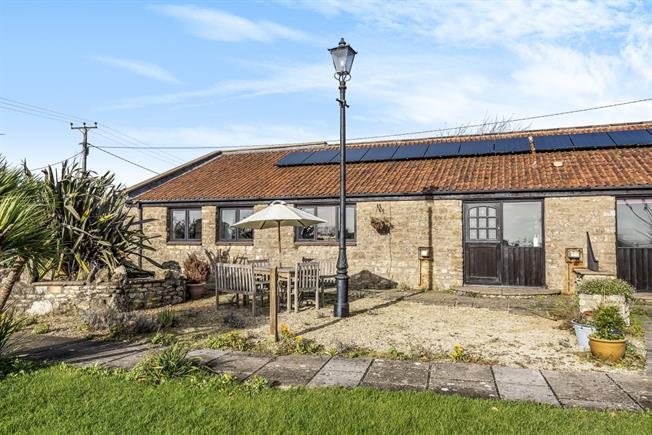 £1,350 per Calendar Month, 2 Bedroom Cottage House To Rent in Radstock, BA3