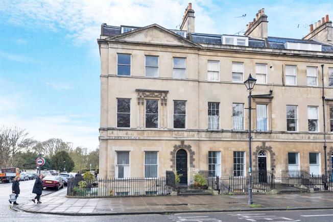 £950 per Calendar Month, 1 Bedroom Apartment To Rent in Bath, BA2