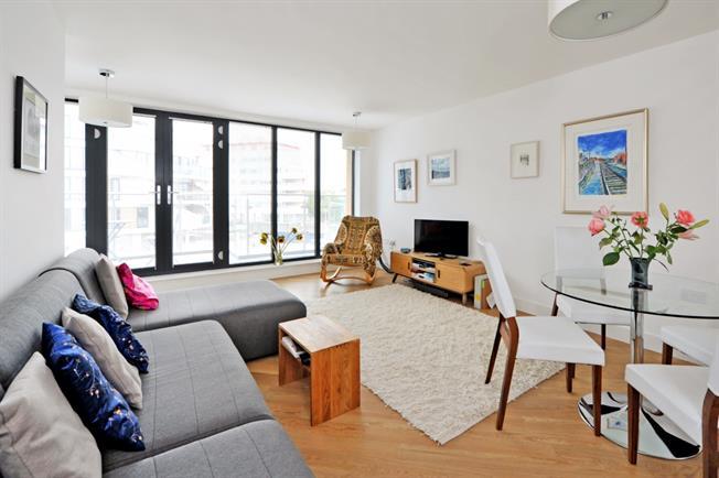 £1,650 per Calendar Month, 2 Bedroom Apartment To Rent in Bristol, BS1