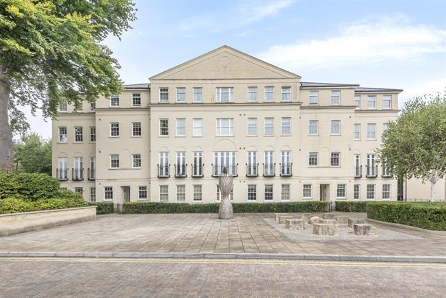 £1,275 per Calendar Month, 2 Bedroom Apartment To Rent in Bath, BA1