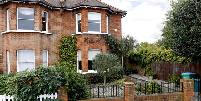 £3,600 per Calendar Month, 5 Bedroom House To Rent in Hampton Hill, TW12