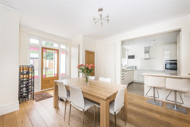 £3,300 per Calendar Month, 5 Bedroom Terraced House To Rent in Teddington, TW11
