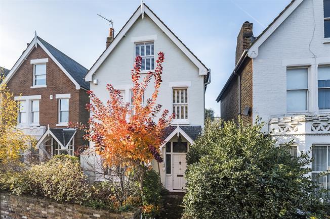 £4,300 per Calendar Month, 5 Bedroom House To Rent in Teddington, TW11