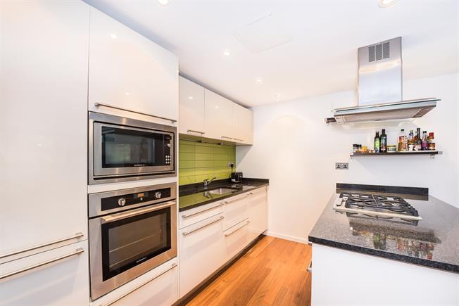 £1,400 per Calendar Month, 1 Bedroom Apartment To Rent in Teddington, TW11