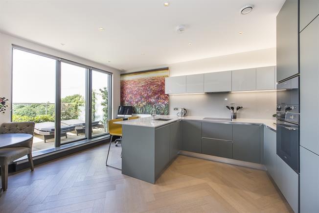 £3,000 per Calendar Month, 2 Bedroom Apartment To Rent in Twickenham, TW1