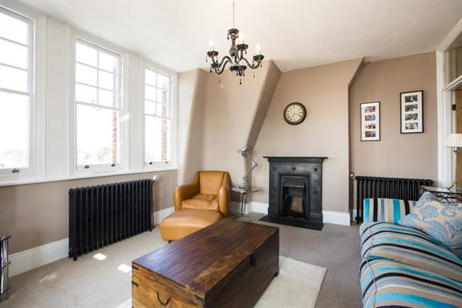 £1,695 per Calendar Month, 2 Bedroom Apartment To Rent in Teddington, TW11