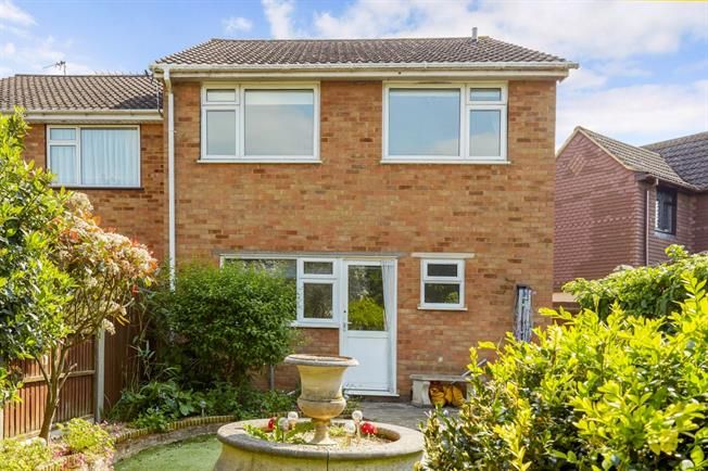 £1,695 per Calendar Month, 3 Bedroom End of Terrace House To Rent in Ashford, TW15