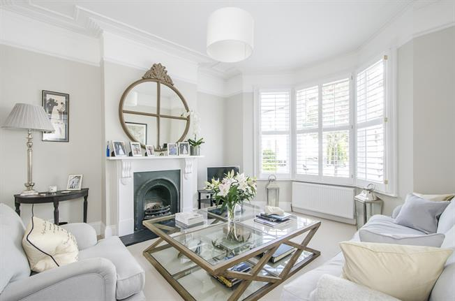 £4,000 per Calendar Month, 5 Bedroom Terraced House To Rent in London, SW11