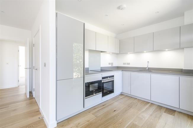 £3,380  per Calendar Month (Calculated), 1 Bedroom Apartment To Rent in London, SW11