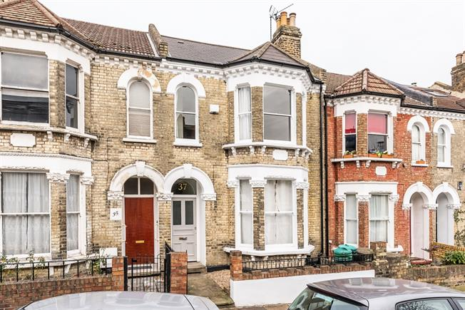 £3,900  per Calendar Month (Calculated), 4 Bedroom Terraced House To Rent in London, SW11