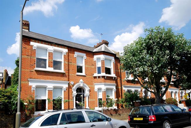 £3,500 per Calendar Month, 4 Bedroom Terraced House To Rent in London, SW11