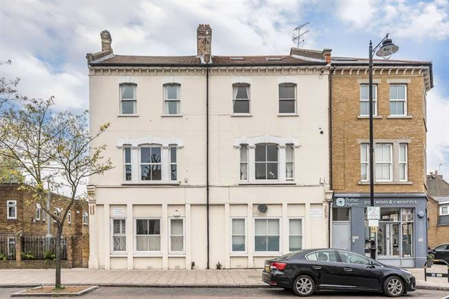 £2,245 per Calendar Month, 3 Bedroom Apartment To Rent in London, SW11