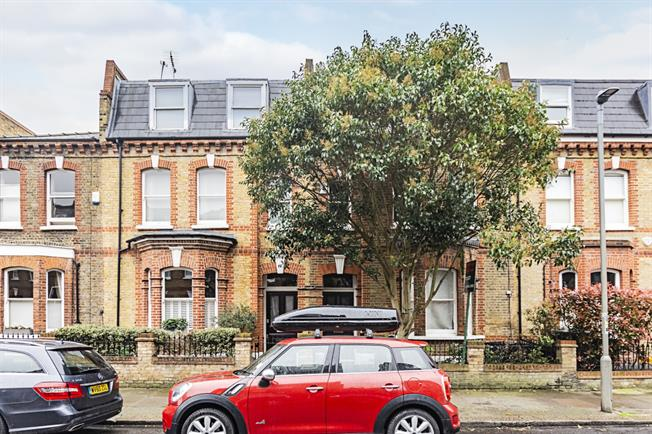 £4,498  per Calendar Month (Calculated), 5 Bedroom Terraced House To Rent in London, SW11