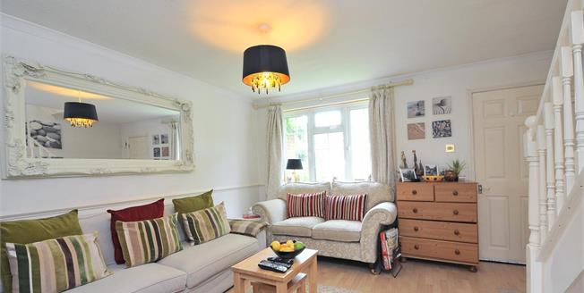 £1,245 per Calendar Month, 3 Bedroom Terraced House To Rent in Horsham, RH12
