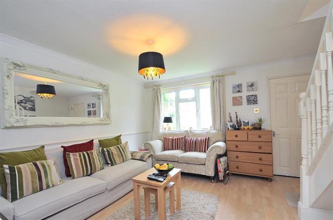 £1,245 per Calendar Month, 3 Bedroom Terraced House To Rent in Horsham, RH12