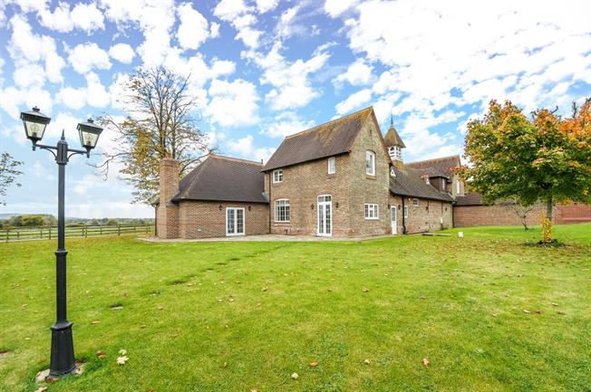 £3,800 per Calendar Month, 5 Bedroom House To Rent in Twineham, West Sussex, RH17