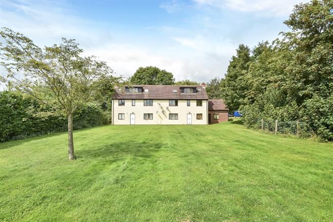 £1,250 per Calendar Month, 3 Bedroom Apartment To Rent in Warnham, RH12