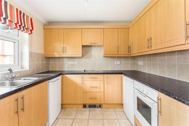 £1,200 per Calendar Month, 2 Bedroom Bungalow To Rent in Petworth, GU28