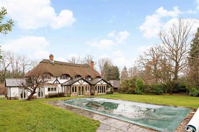 £4,500 per Calendar Month, 6 Bedroom Detached House To Rent in Itchingfield, RH13