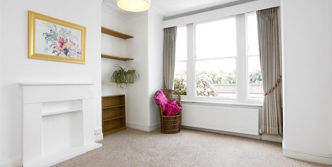 £1,500 per Calendar Month, 2 Bedroom Flat To Rent in London, SW13