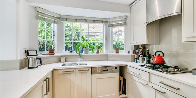£2,650 per Calendar Month, 3 Bedroom House To Rent in London, SW13