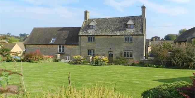 £2,500 per Calendar Month, 6 Bedroom House To Rent in Chipping Campden, GL55