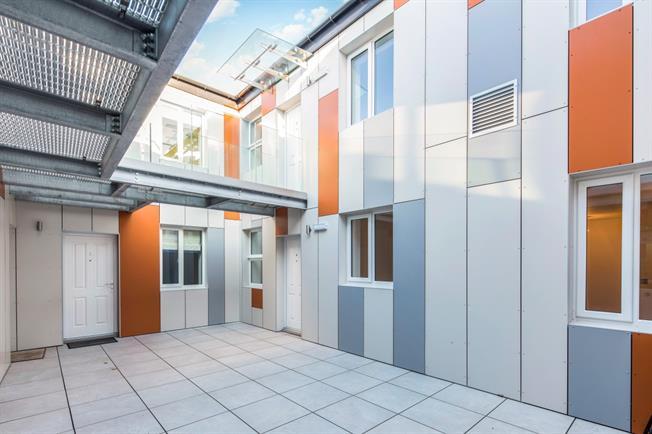 £1,025 per Calendar Month, 2 Bedroom Apartment To Rent in Stratford Upon Avon, CV37