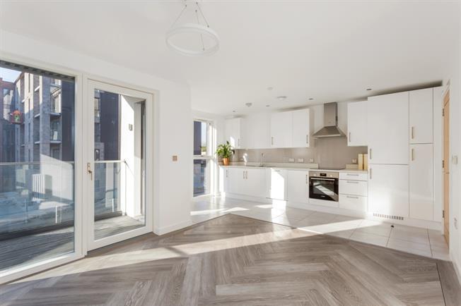 £1,295 per Calendar Month, 2 Bedroom Apartment To Rent in Stratford-upon-Avon, CV37