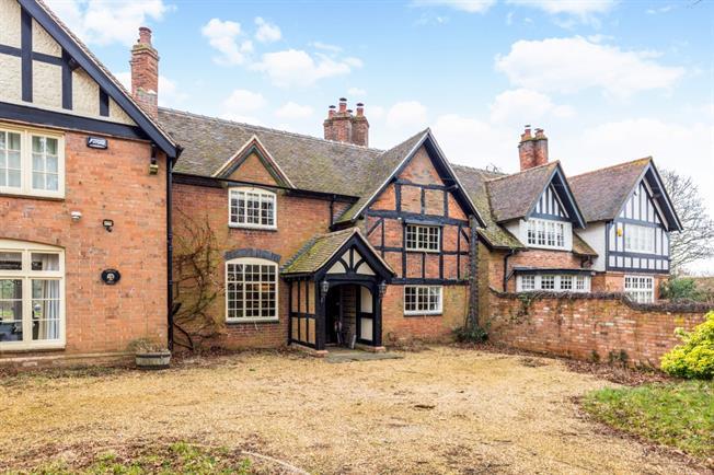 £1,550 per Calendar Month, 2 Bedroom House To Rent in Warwick, CV35