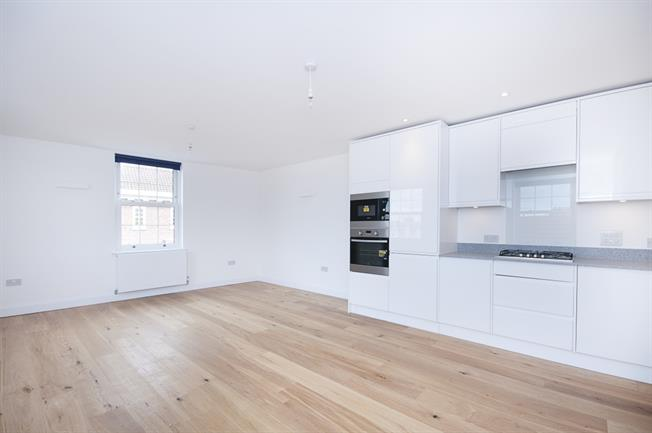 £1,350 per Calendar Month, 2 Bedroom Apartment To Rent in London, SW16