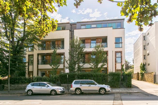 £1,950 per Calendar Month, 2 Bedroom Apartment To Rent in London, SW12