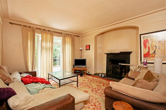 £3,683  per Calendar Month (Calculated), 5 Bedroom Terraced House To Rent in London, SW16