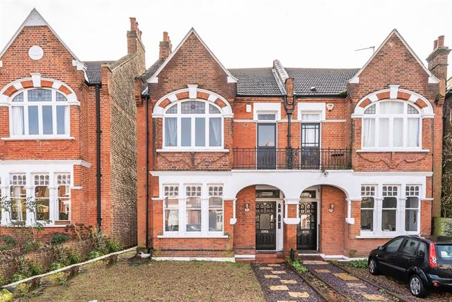 £4,000 per Calendar Month, 5 Bedroom House To Rent in London, SW16